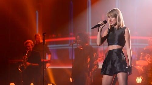 taylor swift wears paper london at the music awards - Taylor Swift en los Premios de Musica en Alemania 2014