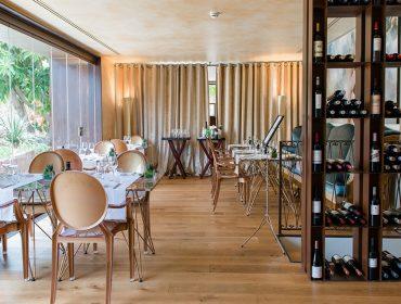 tess de mar restaurant 01 370x280 - Un nuevo hotel boutique diseñado para dos