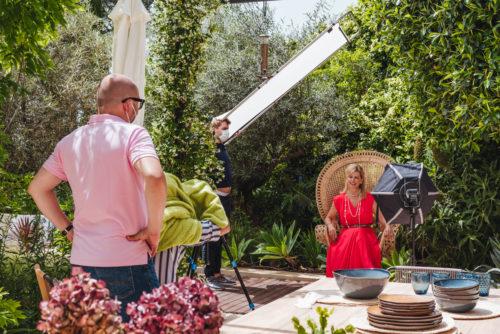 Hola Helen Cummins Photo Shooting